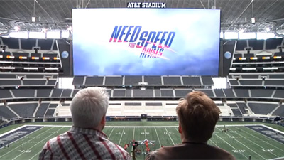 Conan O'Brien gioca a NFS Rivals all'AT&T Stadium